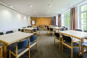 Tagungsraum Aula in Haus Ohrbeck für große Konferenzen und Tagungen, Meetings und Workshops im Raum Osnabrück, Emsland, Oldenburg