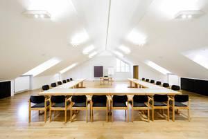 Tagungsraum Forum in Haus Ohrbeck, ideal für Seminare, Konferenzen, Tagungen im Raum Osnabrück, Emsland, Oldenburg